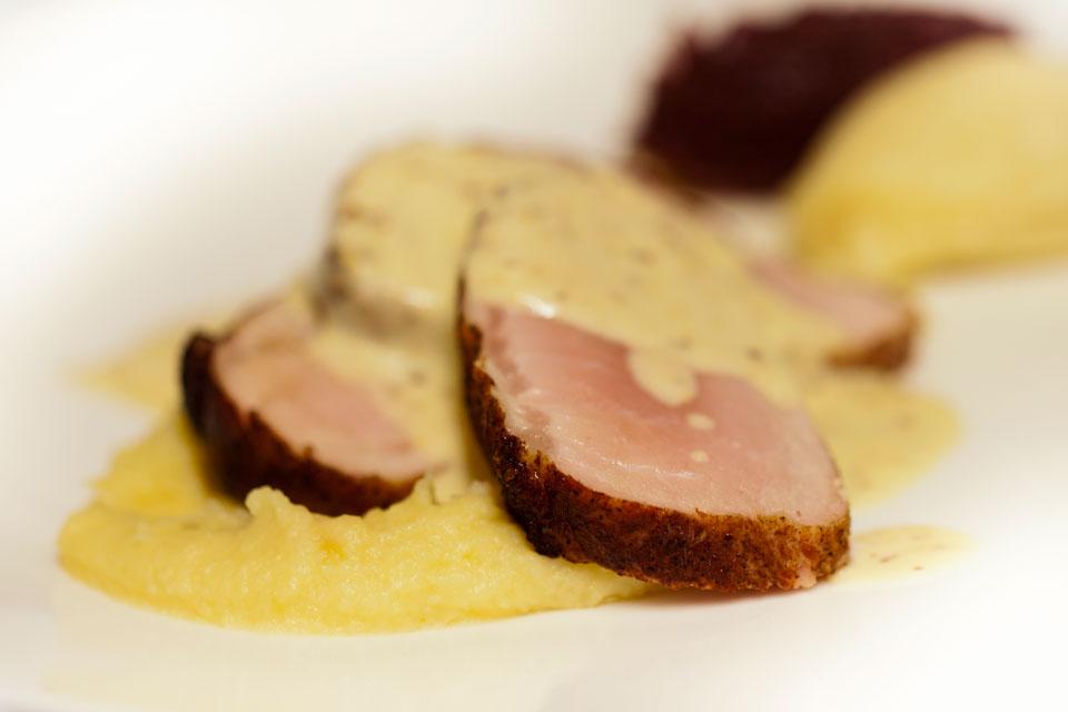 Hoofdgerecht vlees bij restaurant 'In het Bonte Varken'